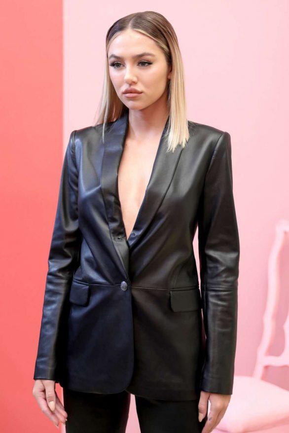 Delilah Hamlin - Alice + Olivia by Stacey Bendet Show - New York Fashion Week 2019