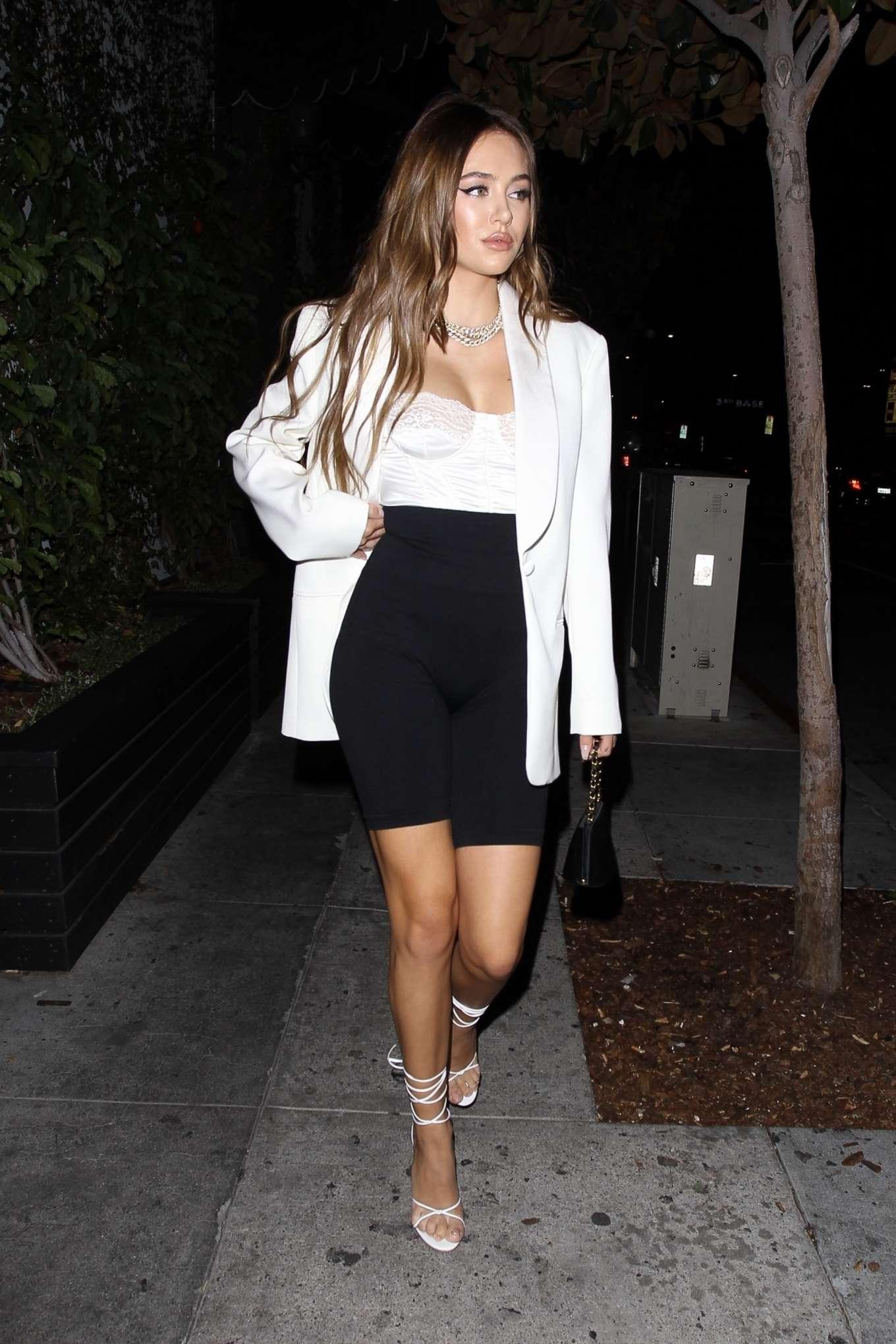 Delilah Hamlin - Arriving at Beauty & Essex in Hollywood