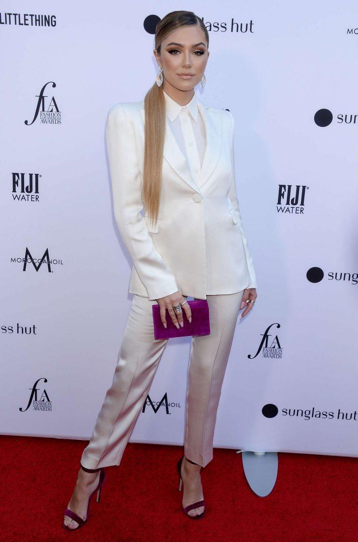 Delilah Hamlin 2019 : Delilah Hamlin: Daily Front Row Fashion Awards 2019 -01