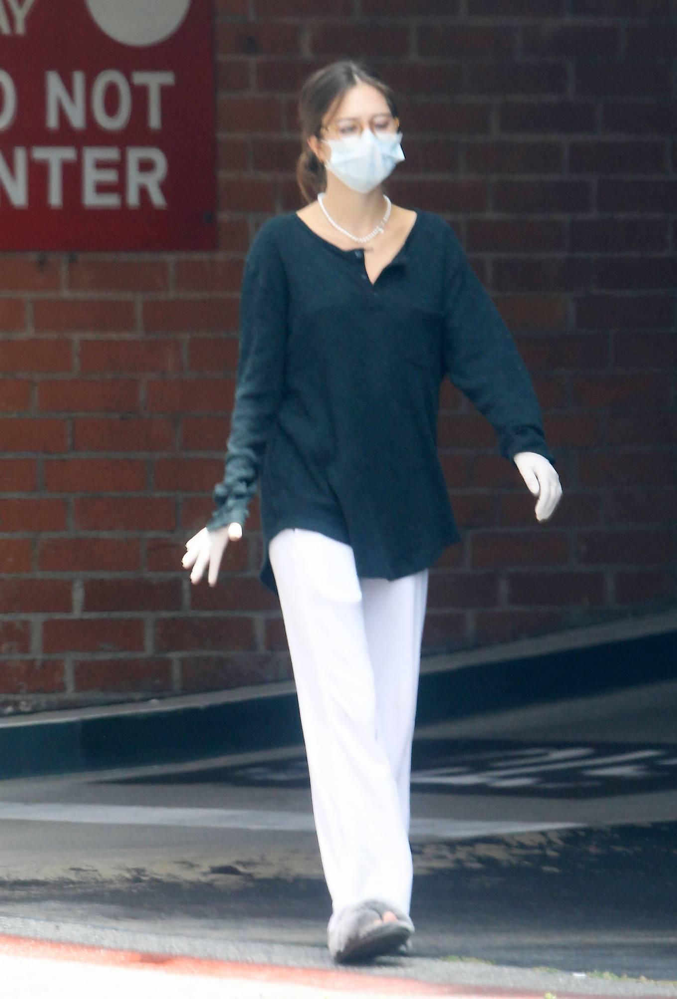 Delilah Hamlin - Steps out in Beverly Hills