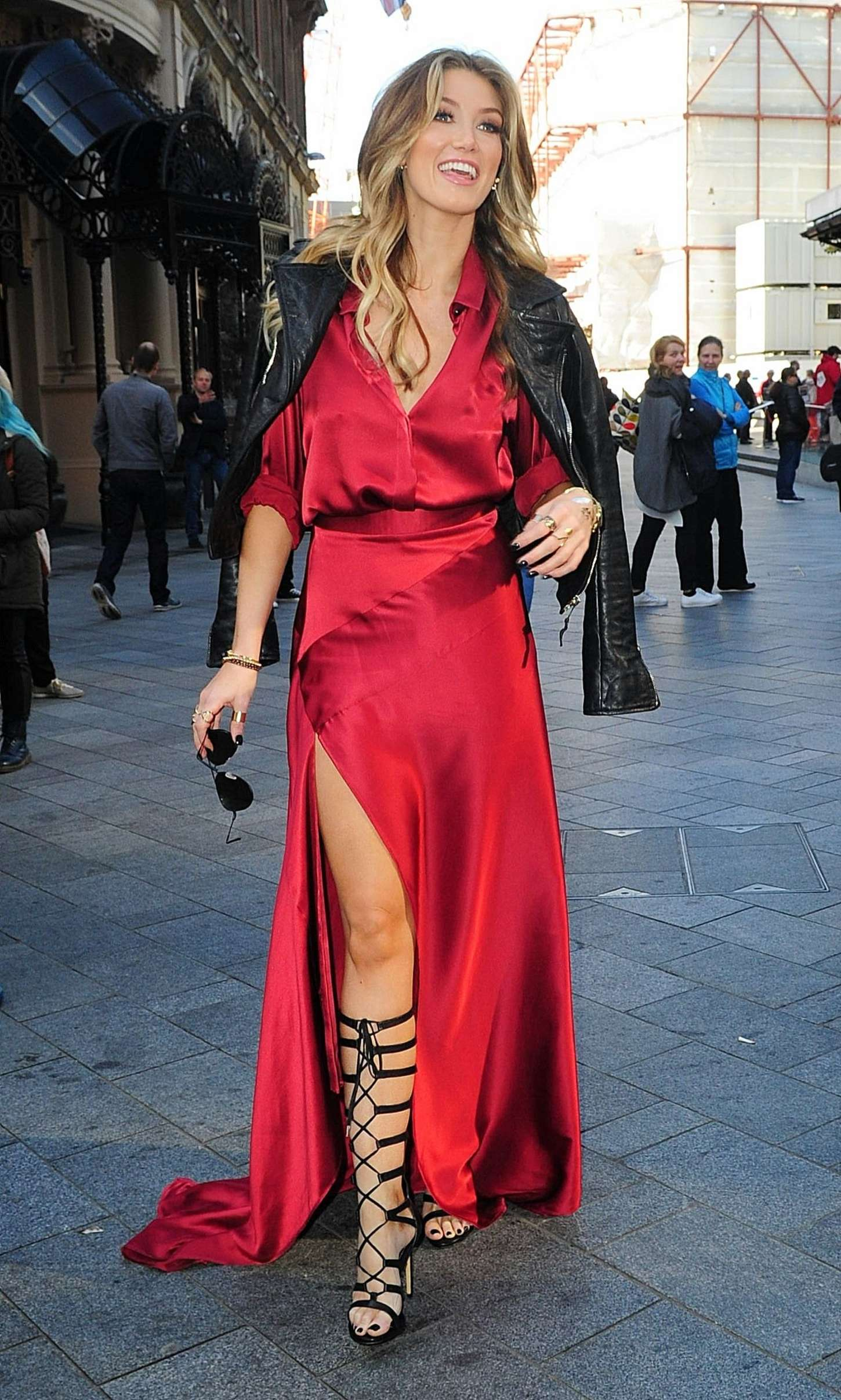 Discussion on this topic: Demi rose mawby sexy 7 Photos, delta-goodrem-and-her-skintight-red-dress/