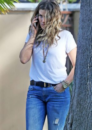 Delta Goodrem - Out in Los Angeles