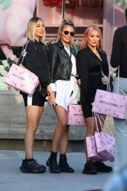 Demi, Chloe and Frankie Sims - Leave Pretty Little Things in London