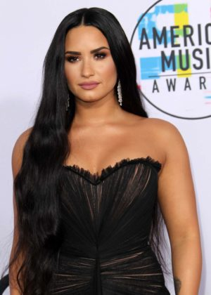Demi Lovato - 2017 American Music Awards in Los Angeles