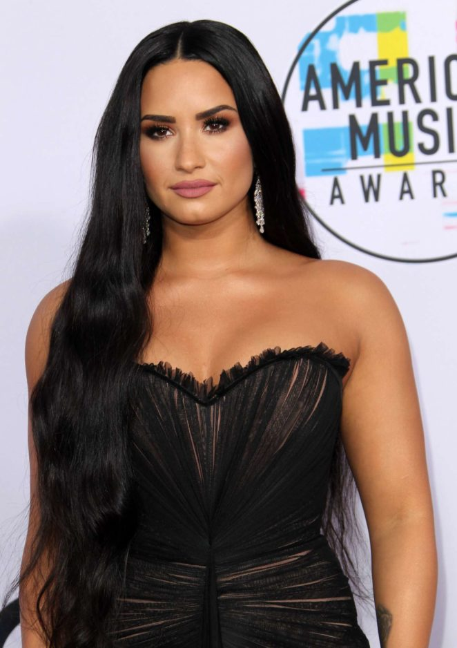 Demi Lovato: 2017 American Music Awards -04