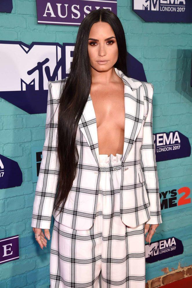Demi Lovato: 2017 MTV Europe Music Awards -07