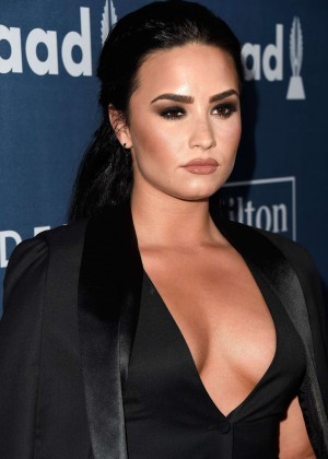 Demi Lovato - GLAAD Media Awards 2016 in Beverly Hills