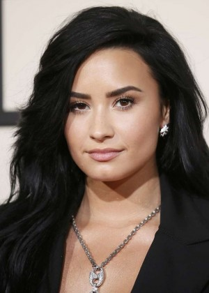Demi Lovato: 2016 GRAMMY Awards -01