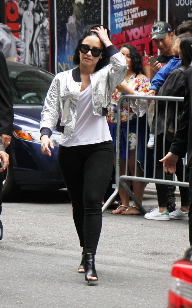 Demi Lovato - Arrives at 'The Late Show With Stephen Colbert' in New York