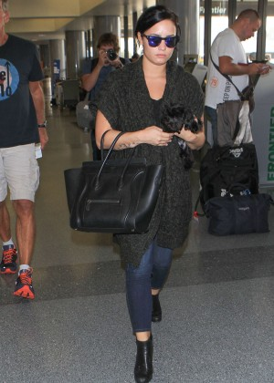 Demi Lovato - Arriving at LAX in Los Angeles