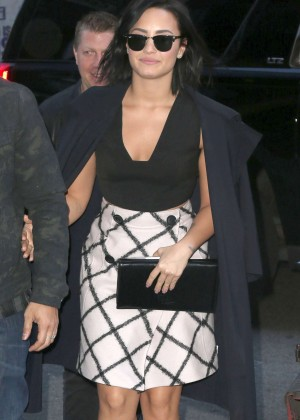 Demi Lovato - Arriving at the GMA Studios in NYC