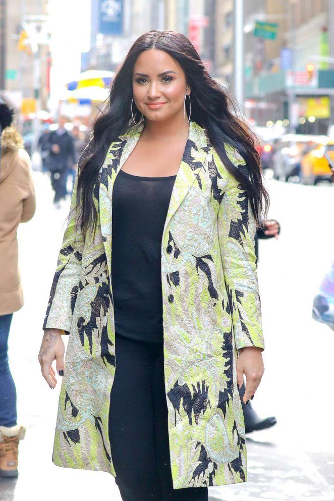 Demi Lovato - Arriving at the Sirius XM studios in New York City