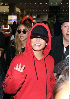 Demi Lovato - Arriving in Mexico City