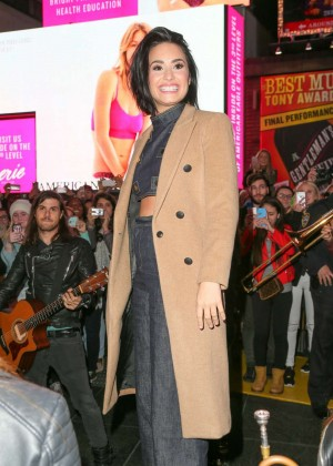 Demi Lovato - Celebrating her 'Confident' Album Release in NY