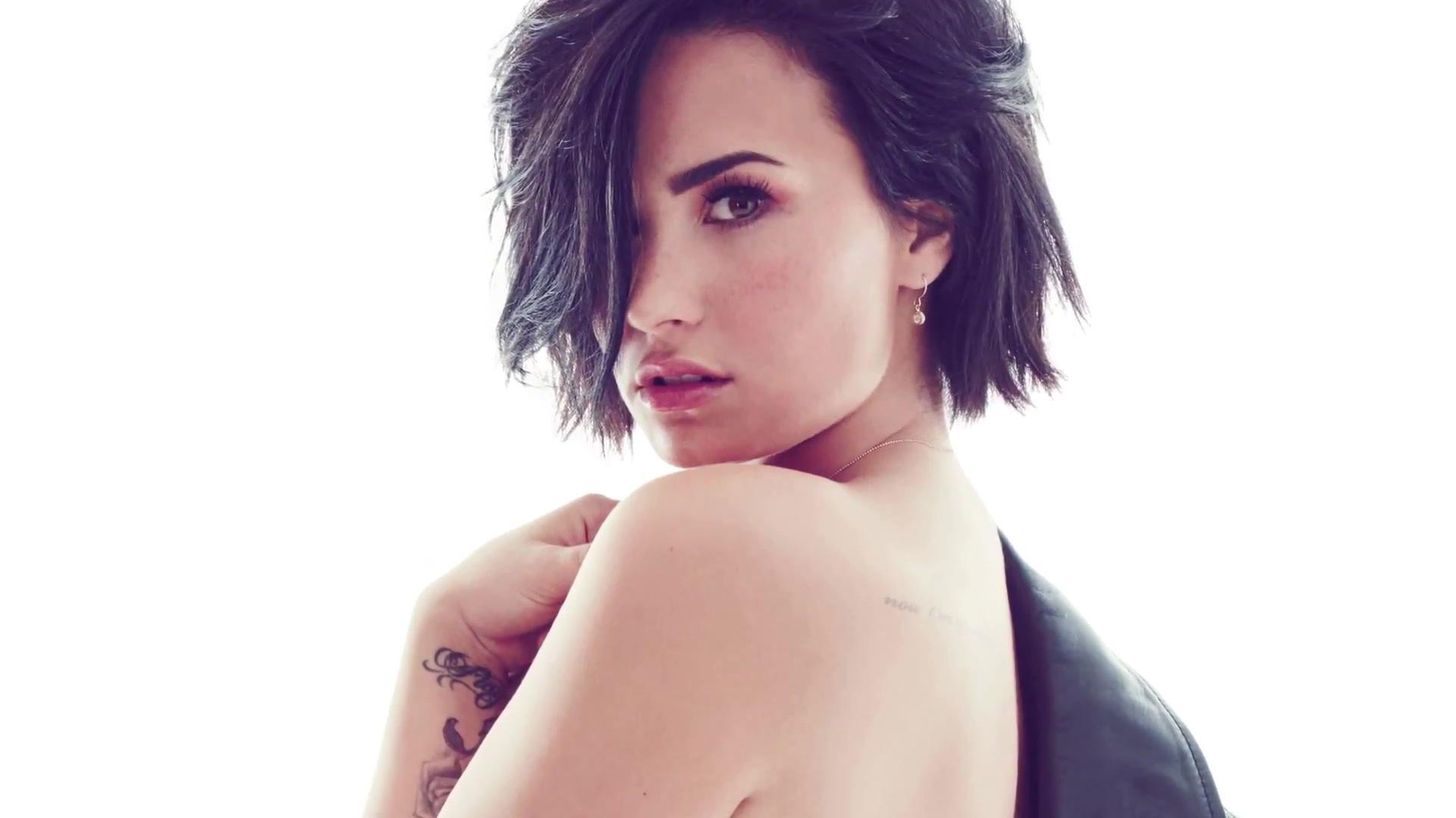 Back to FULL gallery Demi Lovato – Cosmopolitan US Magazine ...: http://www.gotceleb.com/demi-lovato-cosmopolitan-us-magazine-september-2015-2015-08-03.html/demi-lovato-cosmopolitan-us-2015-08/full-image