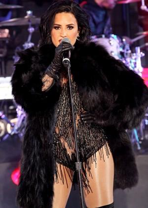 Demi Lovato - Dick Clark's New Year's Rockin' Eve 2016 in New York City