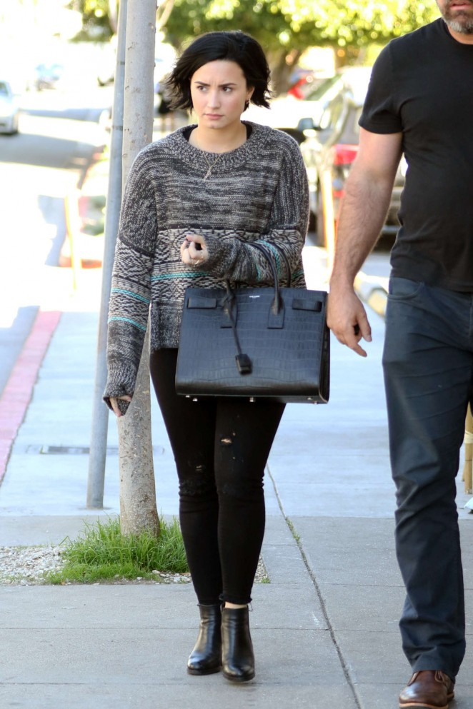 Demi Lovato in Jeans Heads to a coffee shop in Los Angeles