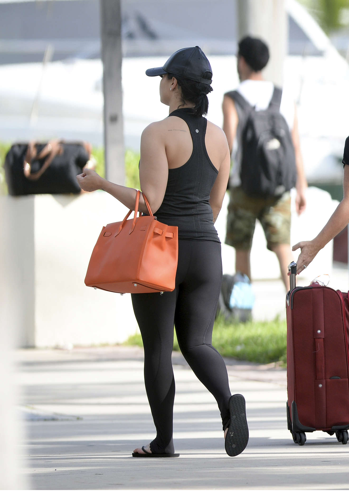 Demi Lovato in Tights Heading to Board a Yacht -08 - GotCeleb