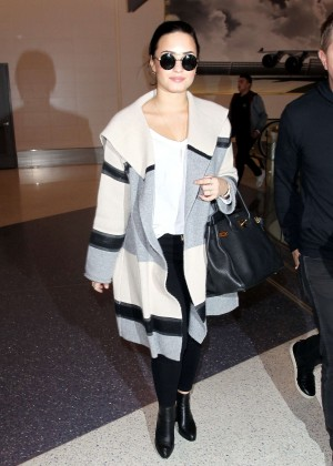 Demi Lovato - LAX airport in Los Angeles