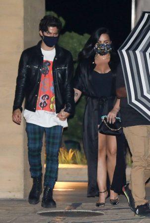 Demi Lovato - Leaves Nobu after enjoying a dinner date in Malibu