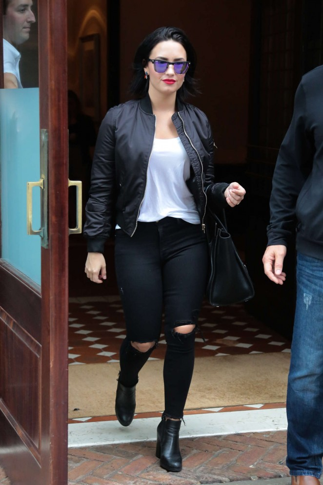 Demi Lovato in Ripped Jeans Leaving her hotel in NY
