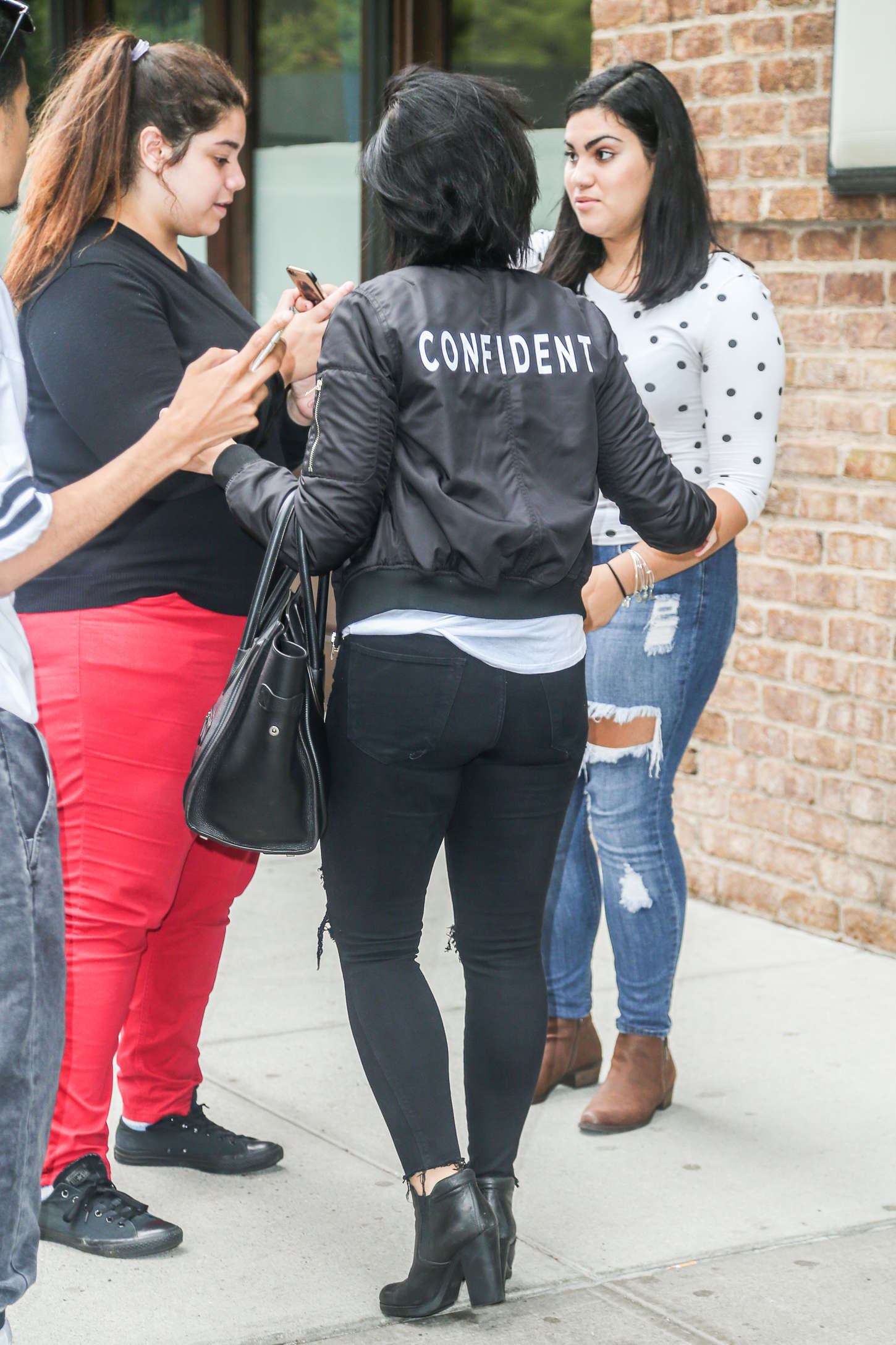Demi Lovato In Ripped Jeans 17 Gotceleb