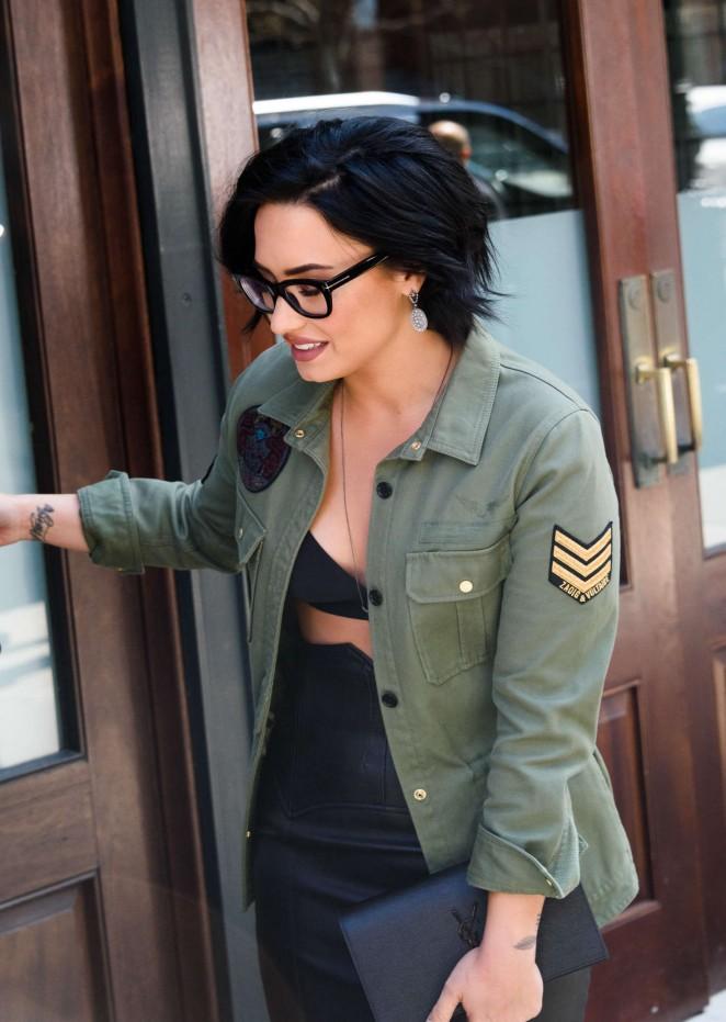 Demi Lovato Leaving Her Hotel In Tribeca 04 Gotceleb