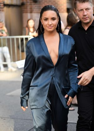Demi Lovato - Leaving Z100 Radio Station Studios in NYC