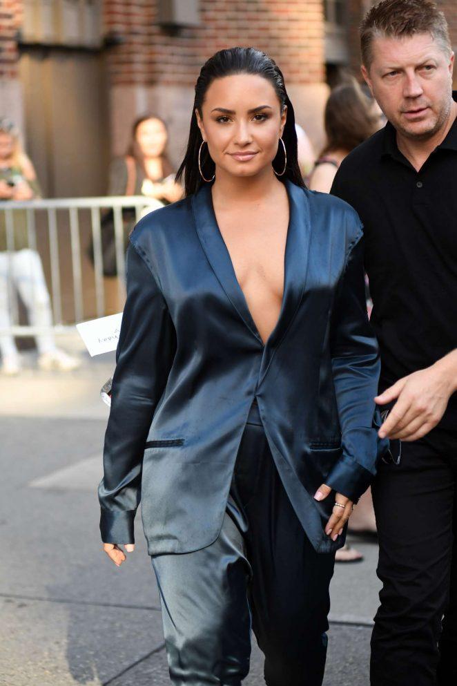 Demi Lovato - Leaving Z100 Radio Station Studios in NYC