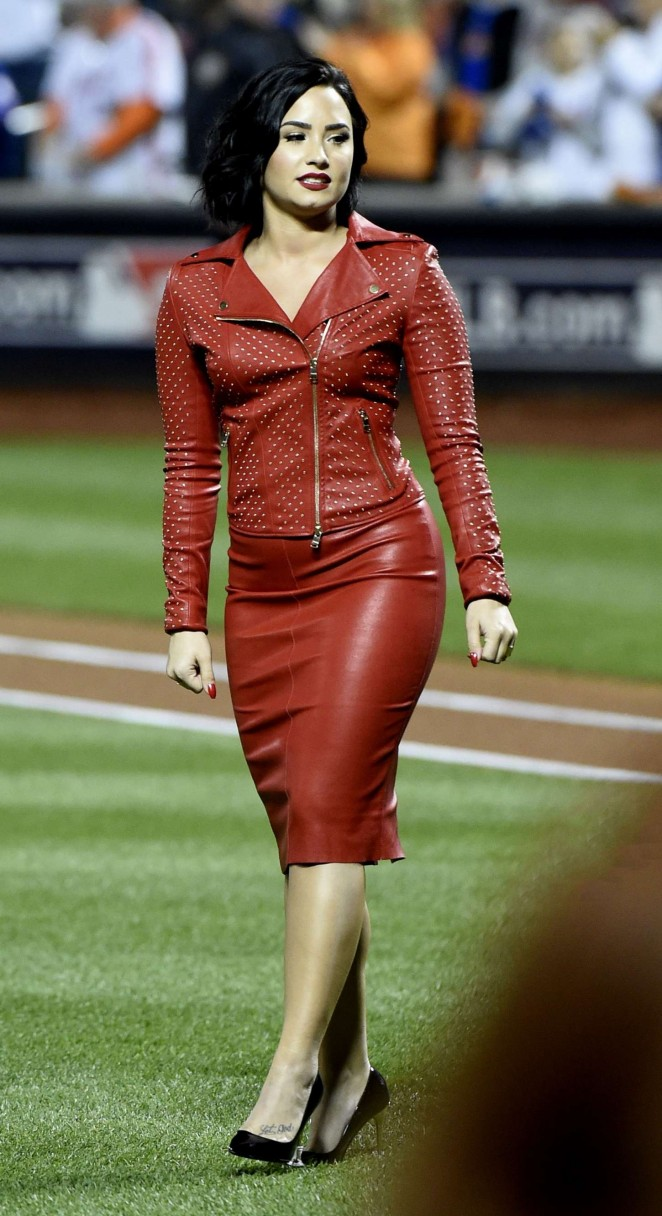 Demi Lovato - MLB World Series Game Four in NYC