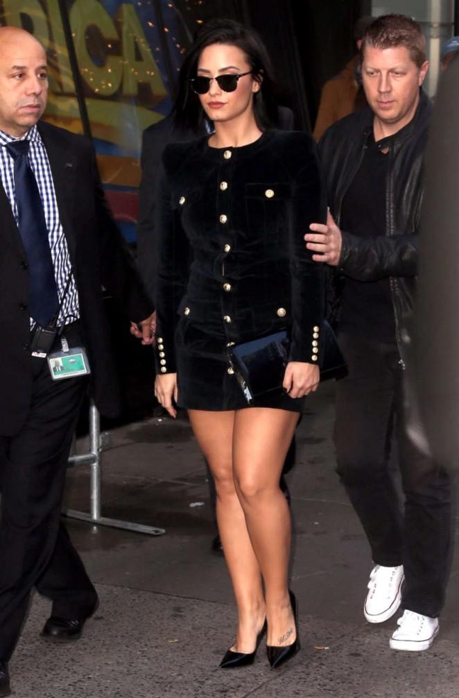Demi Lovato – Outside Times Square Studios in NYC