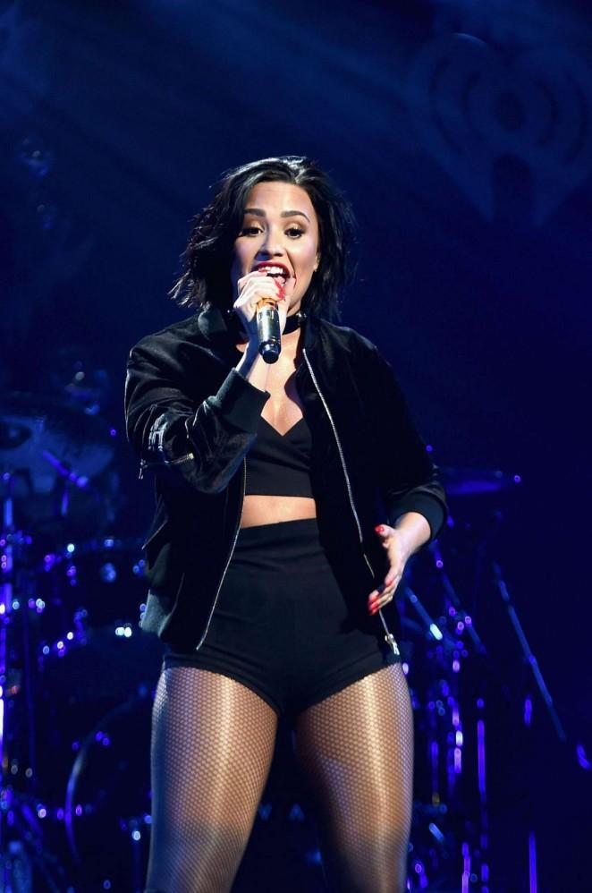 Demi Lovato Performing At Kiss S Jingle Ball Five In Boston