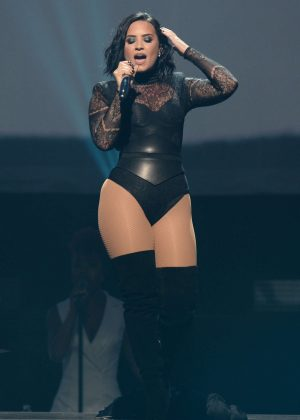 Demi Lovato - Performing at the BB&T Center in Sunrise Florida