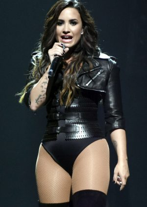 Demi Lovato - Performing at the Honda Civic Tour in San Jose