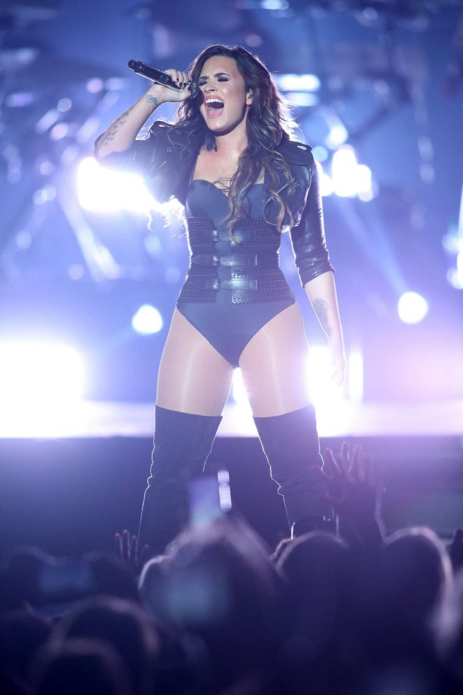 Demi Lovato – Performing at the Minnesota State Fair in St. Paul