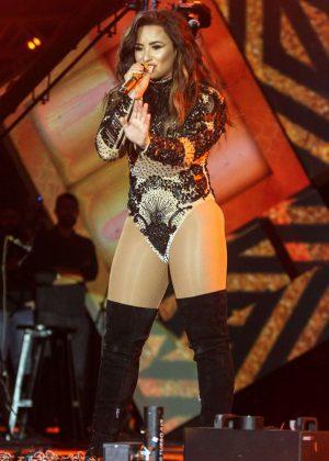 Demi Lovato - Performs at Villa Mix Festival in Goiania