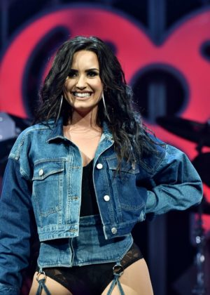 Demi Lovato - Performs at Y100's Jingle Ball 2017 in Sunrise