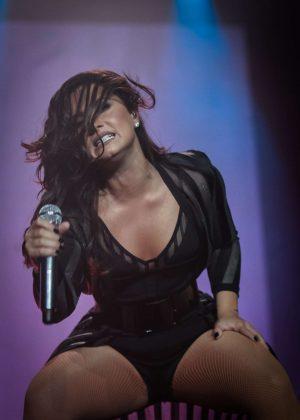 Demi Lovato - Performs at Z Festival 2016 in Sao Paulo