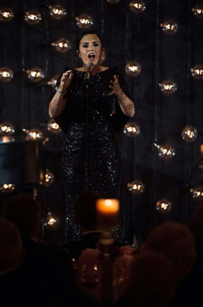 Demi Lovato – President Obama Hosts Nordic Leaders For State Dinner in Washington