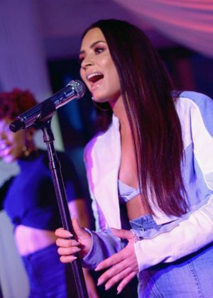 Demi Lovato Private Performance Spotify Superfans Los Angeles 07