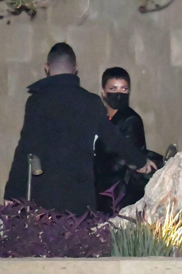 Demi Lovato - Seen in Soho Malibu