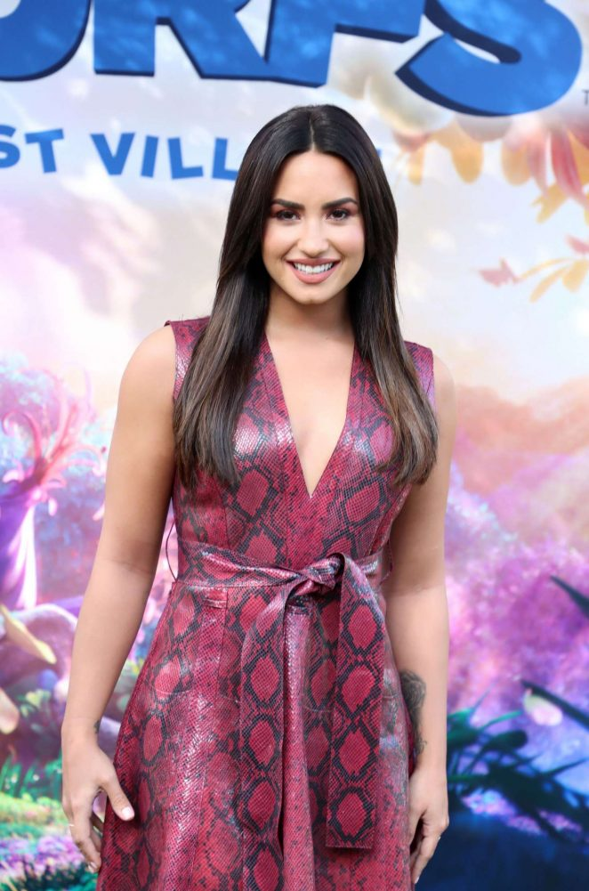 Demi Lovato – 'Smurfs: The Lost Village' Photocall in Los Angeles