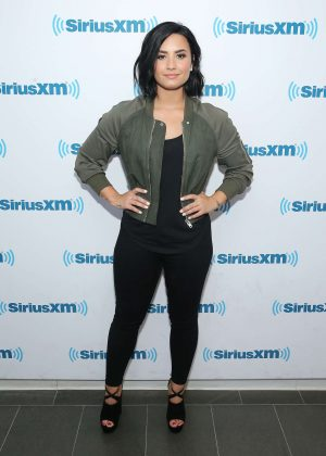 Demi Lovato - Visiting SiriusXM Studios in New York