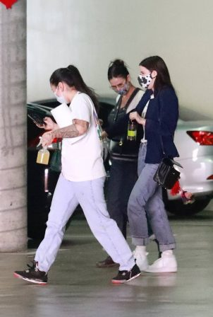 Demi Moore and Scout Willis - Visit their Storage Unit before Lockdown in LA