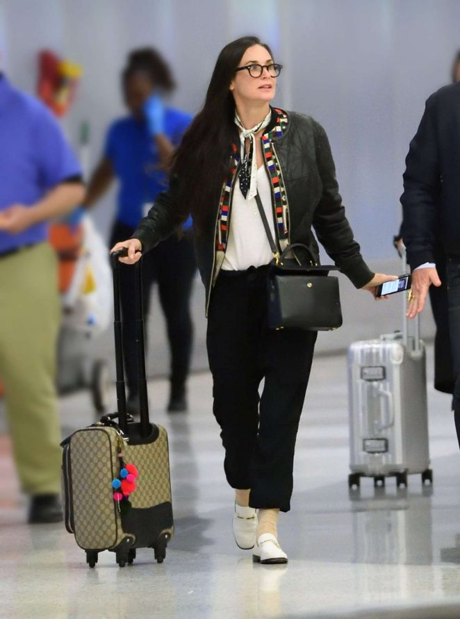 Demi Moore: Arrives at JFK airport -05