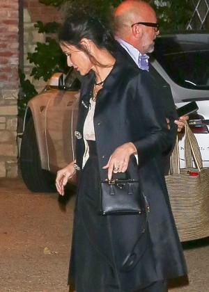 Demi Moore Arriving at Kate Hudson's birthday party in Pacific Palisades