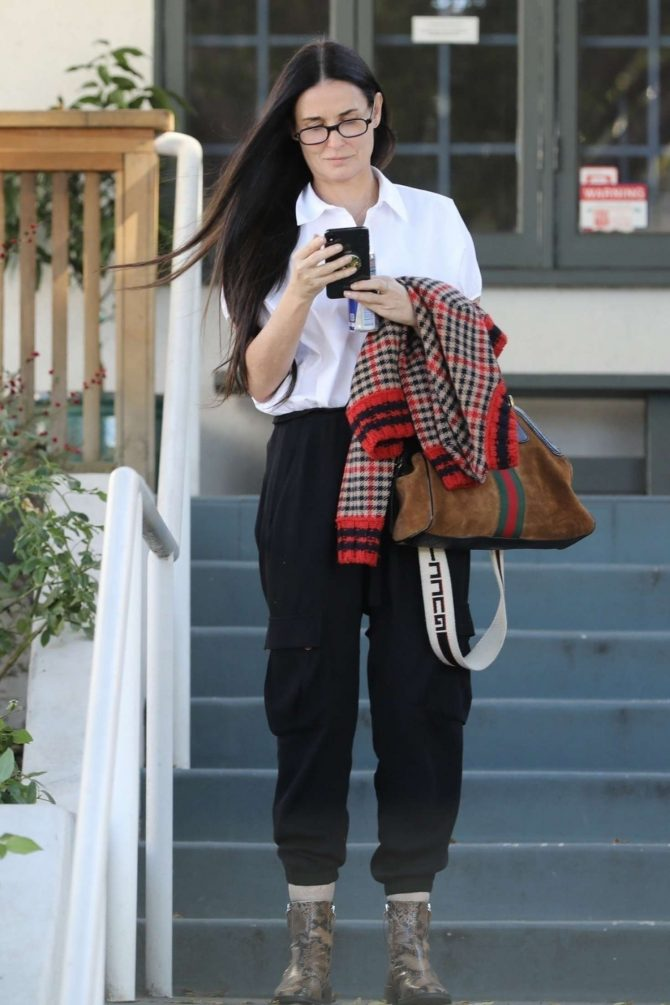 Demi Moore – Out in Los Angeles
