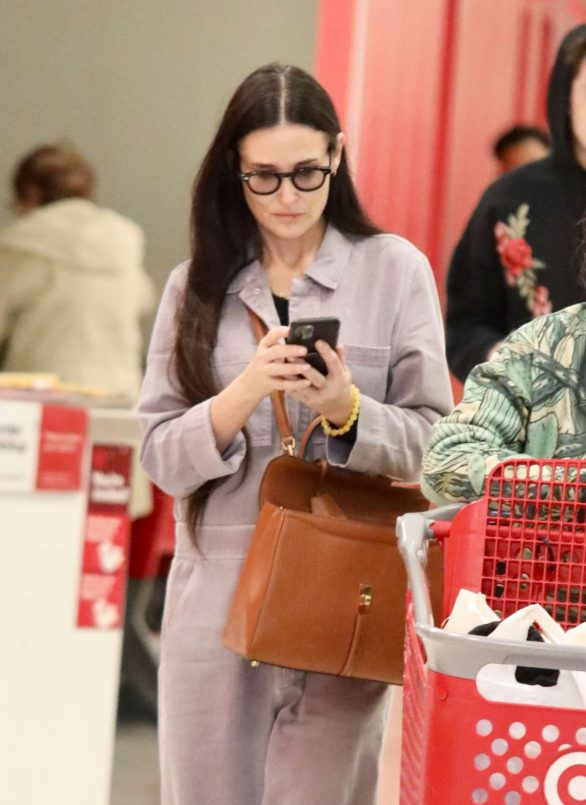 Demi Moore - Shopping for a cart full of toys at Target in LA