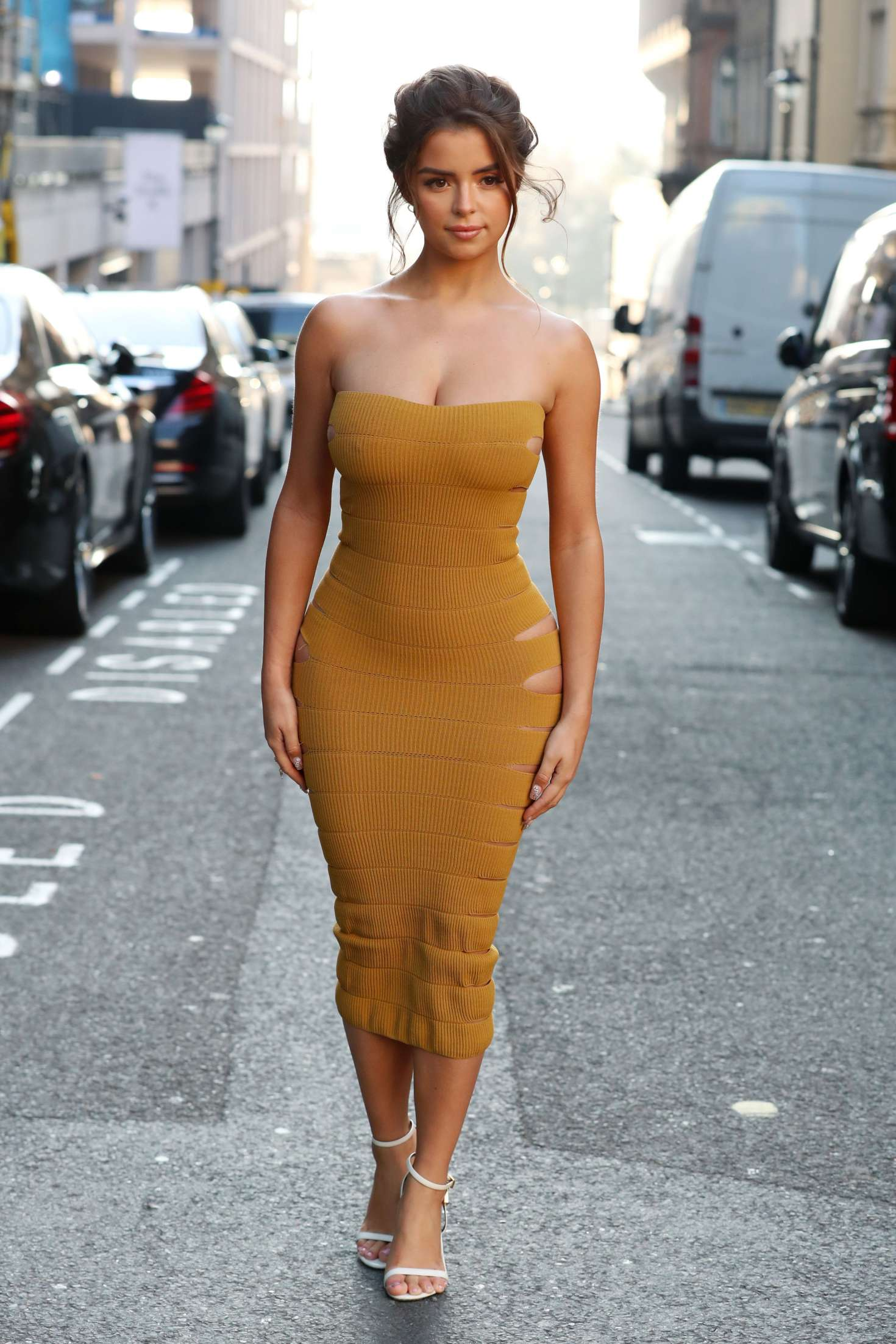 Demi Rose In Tight Dress – Out And About In London