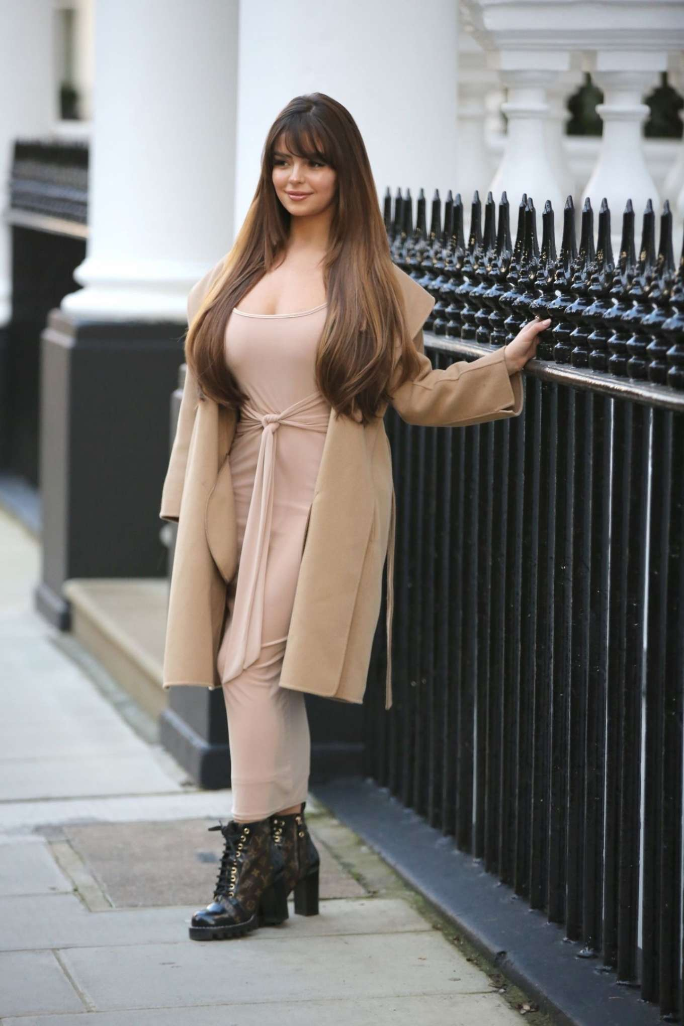 Demi Rose Mawby 2019 : Demi Rose Mawby – Pictured at Pop Up Boutique in London-06